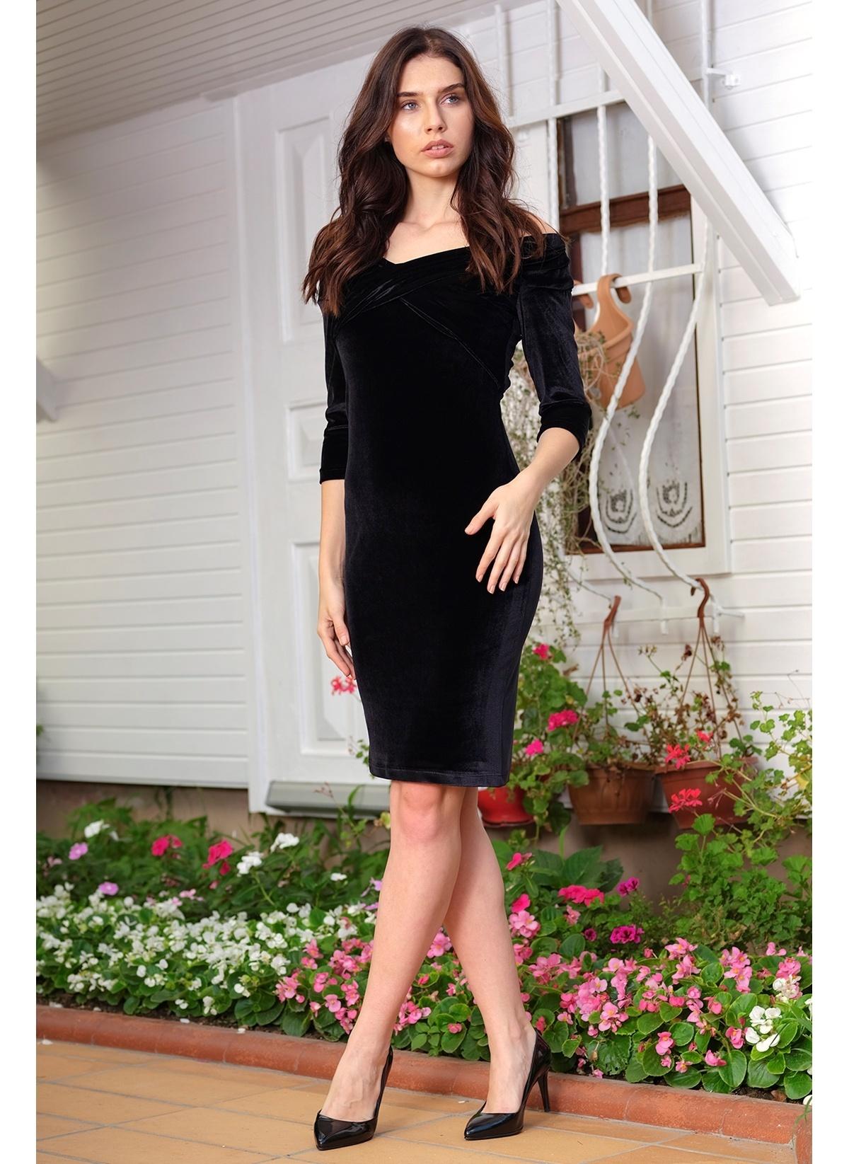 3ccfa2d4eedd8 İroni Kadın Omuz Bantlı Kadife Kalem Elbise Sıyah | Morhipo | 20488765